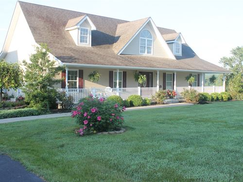 Immaculate Dream Home Lake Liberty : Liberty : Casey County : Kentucky