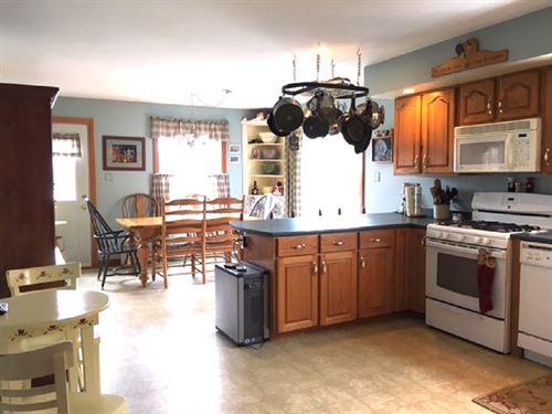 Maine Country Home in Lubec : Lubec : Washington County : Maine
