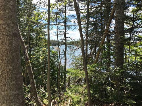 Maine Coastal Land in Lubec : Lubec : Washington County : Maine