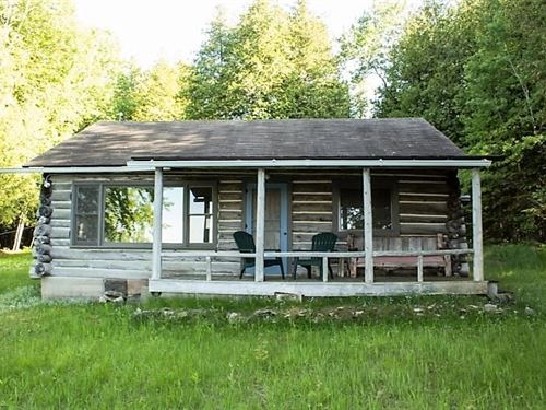 Waterfront Log Cabin, 7 Lots : Drummond : Chippewa County : Michigan