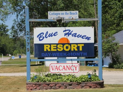 Resort Lake Huron Beachfront : Greenbush : Alcona County : Michigan