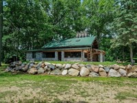Cedar Lake Log Home 124 Acres : Marshall : Calhoun County : Michigan