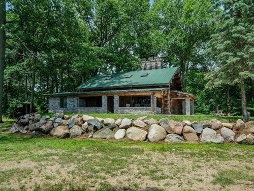 Cedar Lake Log Home 124 Acres : Marshall : Calhoun County : Michigan