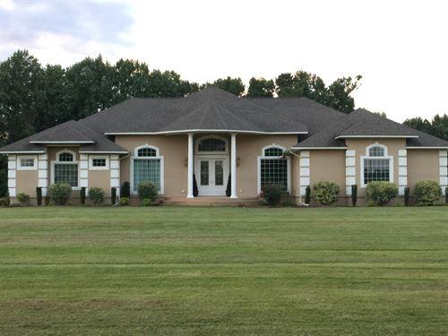 Custom Built Country Home Acreage : Ahoskie : Hertford County : North Carolina