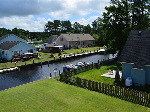 Waterfront 3Bdrm,1&2 Hlf Bth : Moyock : Currituck County : North Carolina