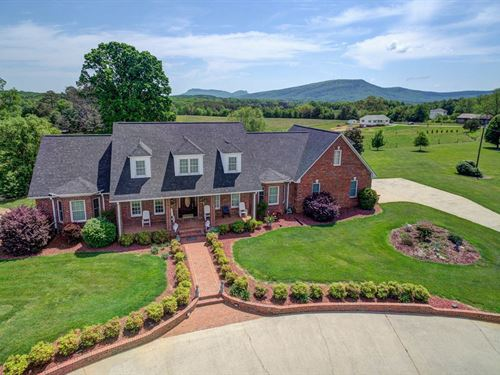 Home For Sale in Pilot Mountain NC : Pilot Mountain : Stokes County : North Carolina