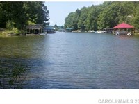 Over 46 Acres Wooded Waterfront : Statesville : Iredell County : North Carolina