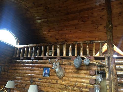Monroe County Log Home 20+ Acres : Beallsville : Monroe County : Ohio