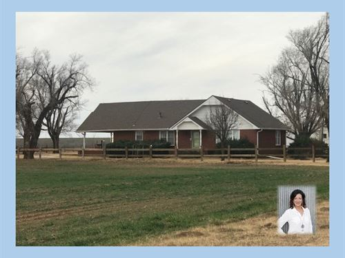 Country Home Expansion Opportunity : Alva : Woods County : Oklahoma