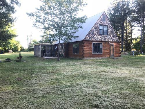 Cabin on 25 Acres in Atoka, OK : Atoka : Oklahoma