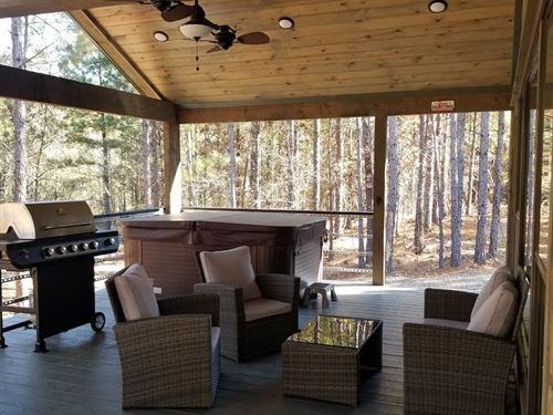 Luxury Vacation Cabin Broken Bow : Broken Bow : McCurtain County : Oklahoma