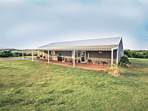Barn Style Home 40 Acres Creek Pond : Elk City : Beckham County : Oklahoma