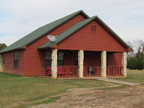 Furnished Cabin in Hugo Lake Area : Hugo : Choctaw County : Oklahoma