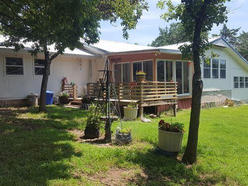 River Front Home in NE Oklahoma : Miami : Ottawa County : Oklahoma