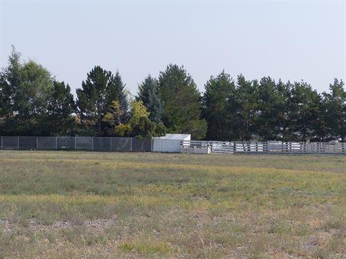 Ranch Way Life Less Than 15 Miles : Burns : Harney County : Oregon