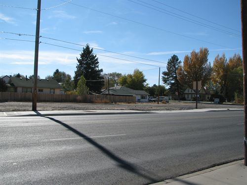Burns, Great Commercial Lot Located : Burns : Harney County : Oregon