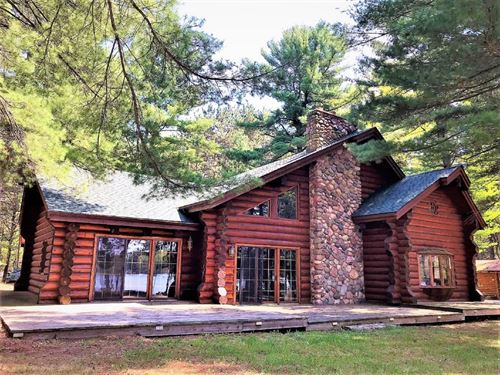 Beautiful Resort Style Log Home : Cameron : Barron County : Wisconsin