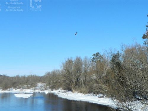 6.45 Acres Along Beautiful Chippewa : Ojibwa : Sawyer County : Wisconsin