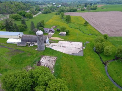 Hobby Farm, Country Home, Dairy : Tomah : Monroe County : Wisconsin