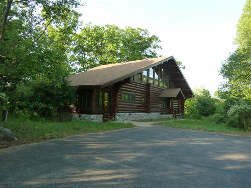 Executive Log Home Private Secluded : Westfield : Marquette County : Wisconsin