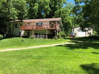 Secluded Land Raised Ranch Home : Woodman : Grant County : Wisconsin