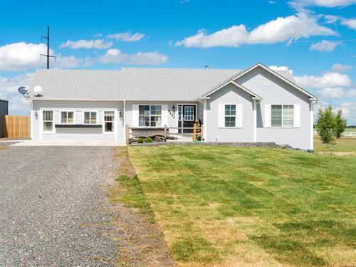 3 Bed/3 Bath Rural Property Close : Cheyenne : Laramie County : Wyoming