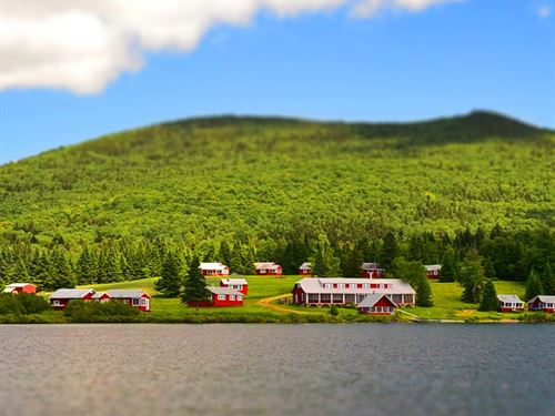 Sporting Camp Wild Maine Brook : T5 R7 Wels : Piscataquis County : Maine