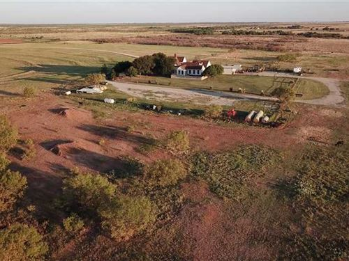 Huge Price Reduction, Great Update : Scotland : Archer County : Texas