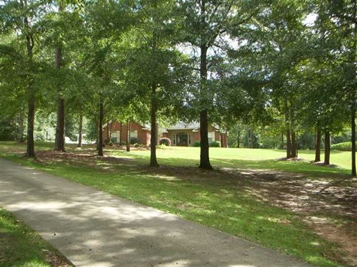 Beautiful 4 Br, 2 BA Brick Home on : Eufaula : Barbour County : Alabama