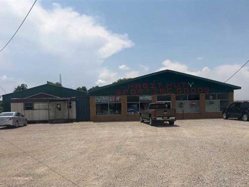 Retail OR Industrial Building on 3 : Newellton : Tensas Parish : Louisiana