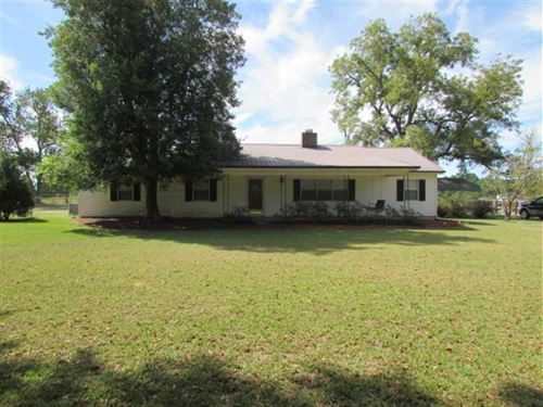 4 BR 2 BA Home Located on 2.53 Acr : Ty Ty : Worth County : Georgia