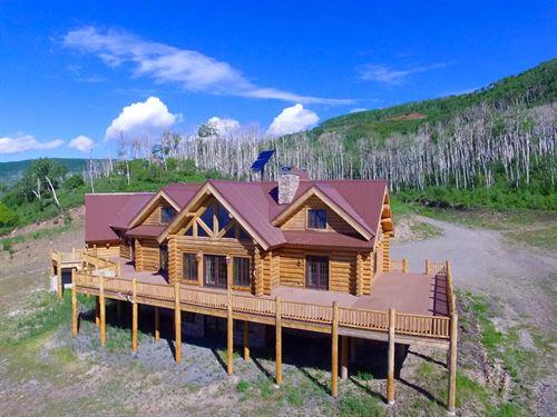 Colorado Luxury Mountain Log Home : Cedaredge : Delta County : Colorado