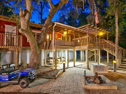 Fabulous Weekend River Retreat : Old Town : Dixie County : Florida
