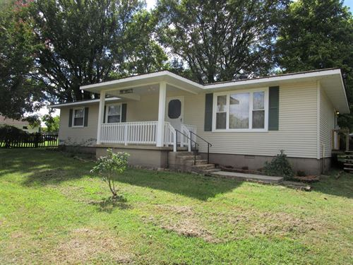 Country Home With Acreage : Doniphan : Ripley County : Missouri