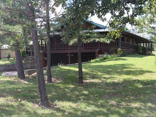 Missouri Ozarks Log Home Shed : West Plains : Howell County : Missouri