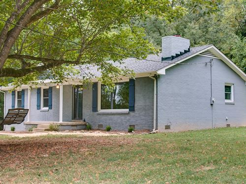 Country Home & Equine Property : College Grove : Williamson County : Tennessee
