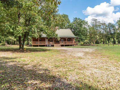 Cabin on Acreage in Broken Bow, OK : Broken Bow : McCurtain County : Oklahoma