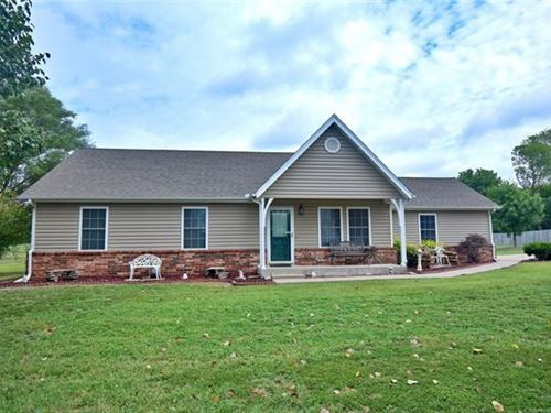 Impressive, Well Maintained Move-In : Inola : Rogers County : Oklahoma