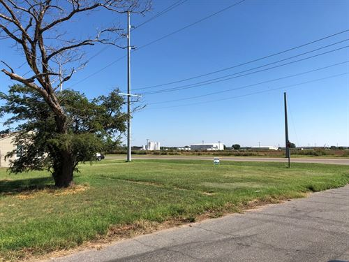 Vacant Lot Zoned Residential Alva : Alva : Woods County : Oklahoma
