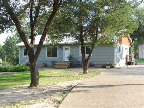 5.5 Acres, Pond, Large Shop : Winnsboro : Wood County : Texas