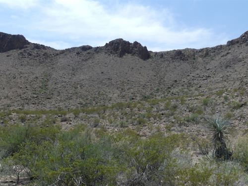 24 Acres With Cliffs : Terlingua : Brewster County : Texas