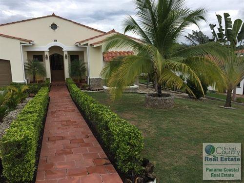 Hacienda Pacific Home in Panama : San José : Panama
