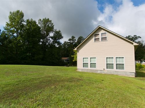 Canal Front Home Just Off Yeopim : Hertford : Perquimans County : North Carolina