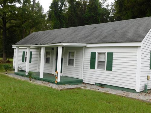 Waterview Bungalow In Canal Cove : Winton : Hertford County : North Carolina