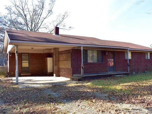 Cute Brick Home On 4 Acres : Clinton : Van Buren County : Arkansas