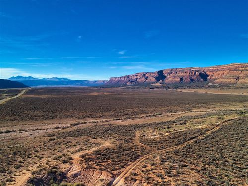 Property Outside Moab, Utah : Naturita : Montrose County : Colorado