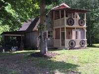 Country Home Near Tennessee River : Linden : Perry County : Tennessee