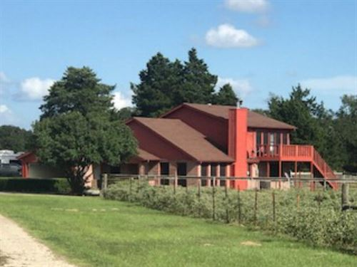 Two Story Home Horse Barn Stock : Fairfield : Freestone County : Texas