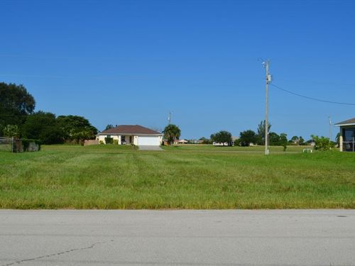 Prime Location For Your New Home : Cape Coral : Lee County : Florida