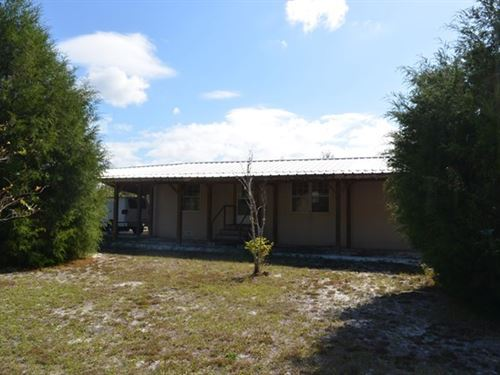 Country Home, Pasture, Animals : Old Town : Dixie County : Florida